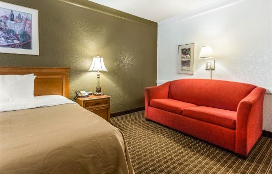 Room Quality Inn and Suites Airport