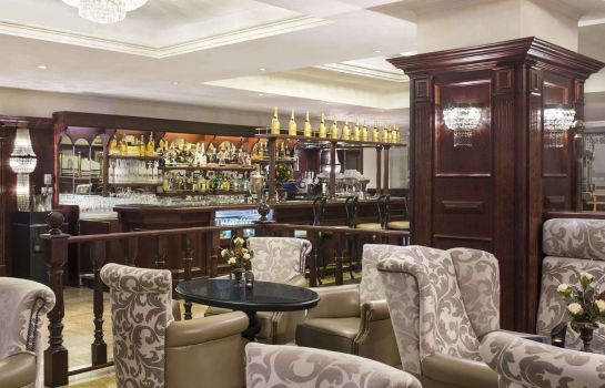Hotel bar Ramada Hotel & Suites Bucharest North