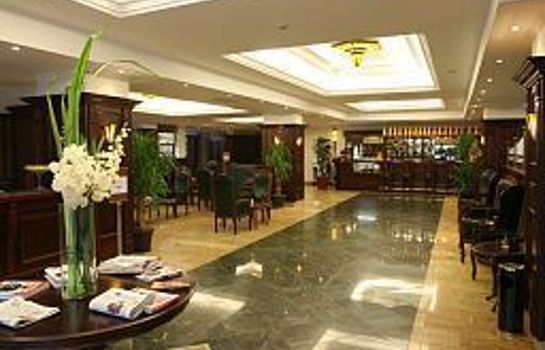 Lobby Ramada Hotel & Suites Bucharest North