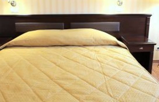 Double room (standard) Ramada Hotel & Suites Bucharest North