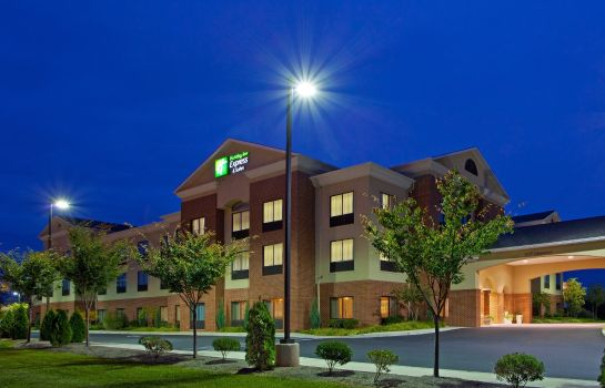 Exterior view HOLIDAY INN EXP STES CHESTERTW