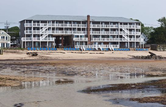 Strand Surfside Hotel and Suites