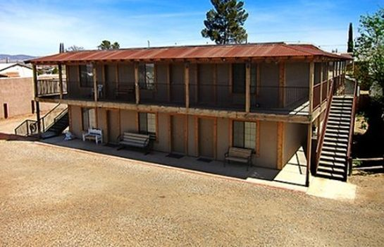 Exterior view Tombstone Motel