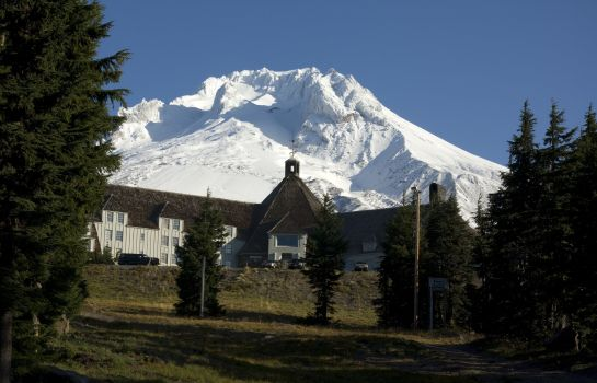 Exterior view TIMBERLINE LODGE
