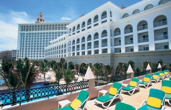 Exterior view Riu Cancun All Inclusive Hotel