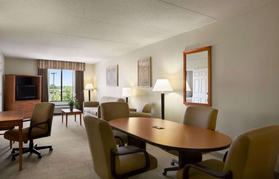 Suite WINGATE BY WYNDHAM LOUISVILLE