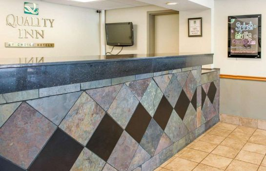 Hall Quality Inn & Suites Lafayette