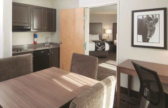 Suite La Quinta Inn Ste Fairbanks Airport