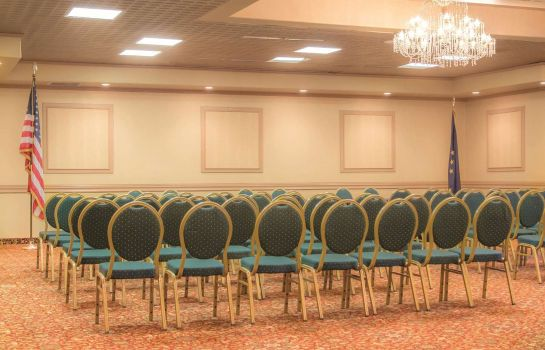 Sala de reuniones La Quinta Inn & Suites by Wyndham Fairbanks Airport