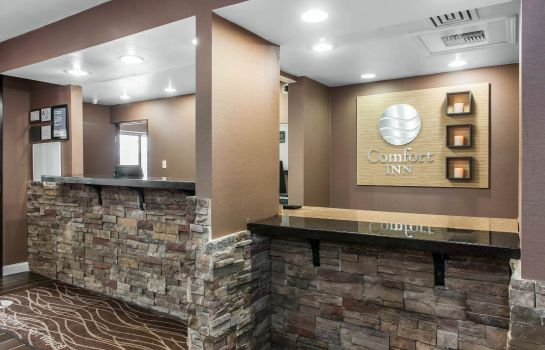 Hall Comfort Inn Fort Wayne
