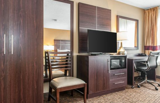 Suite Comfort Inn Fort Wayne