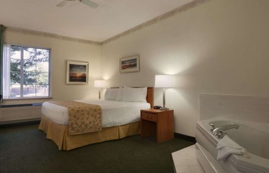 Suite BAYMONT I S MACKINAW CITY
