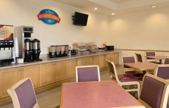 Info BAYMONT INN & SUITES FORT MYER