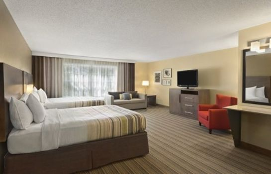Suite IA  Ankeny Country Inn and Suites by Radisson