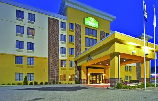 Buitenaanzicht La Quinta Inn and Suites Elkview - Charleston NE