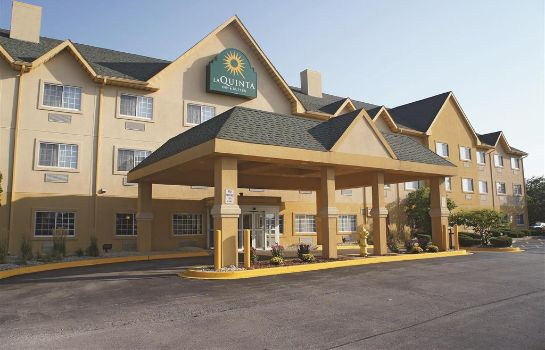 Exterior view Best Western Plus Bolingbrook
