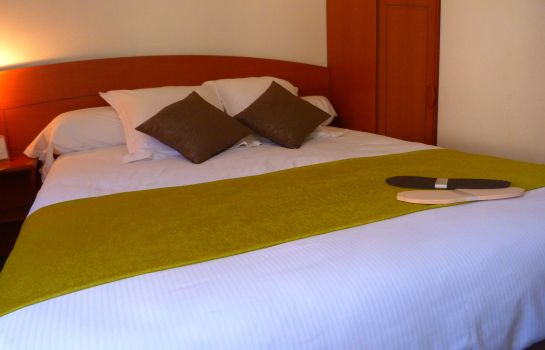 Single room (superior) Kyriad Bergerac