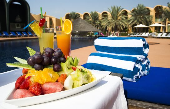 Beach Golden Tulip Al Jazira