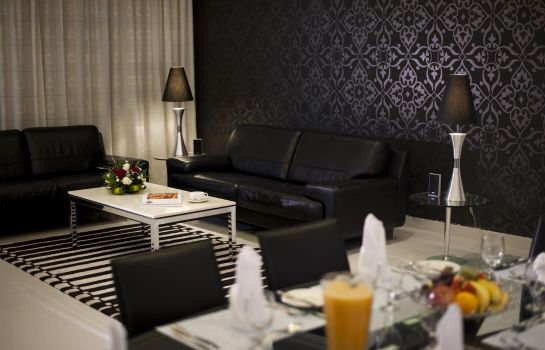Suite Golden Tulip Al Jazira
