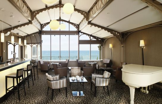 Hotel bar Grand Hotel des Thermes Saint Malo Grande Plage du Sillon