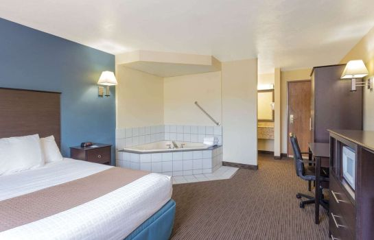Suite AmericInn Green Bay West