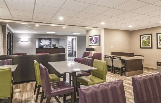 Hol hotelowy La Quinta Inn and Suites Brunswick
