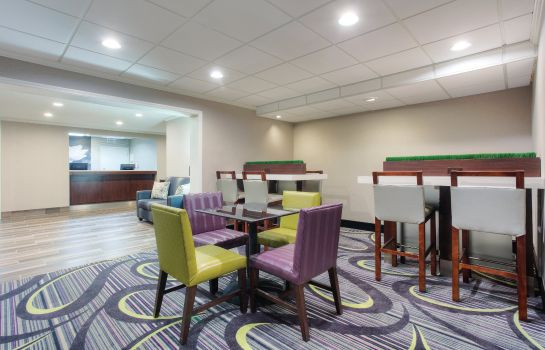 Hotelhalle La Quinta Inn and Suites Atlanta Roswell