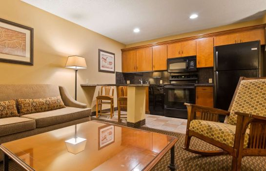 Suite Best Western Plus Deer Park Hotel and Suites