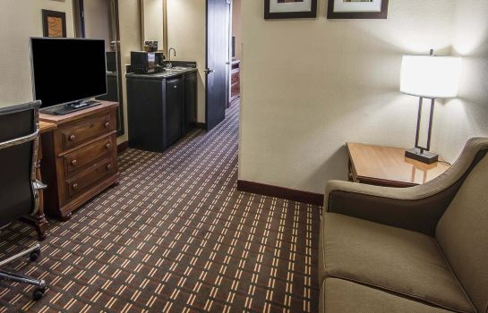 Zimmer Quality Inn & Suites I-35 E/Walnut Hill