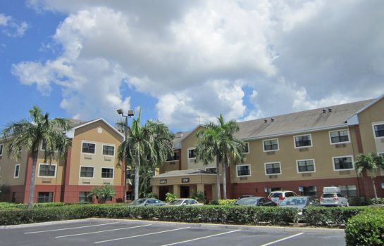 Exterior view Extended Stay America Deerfield