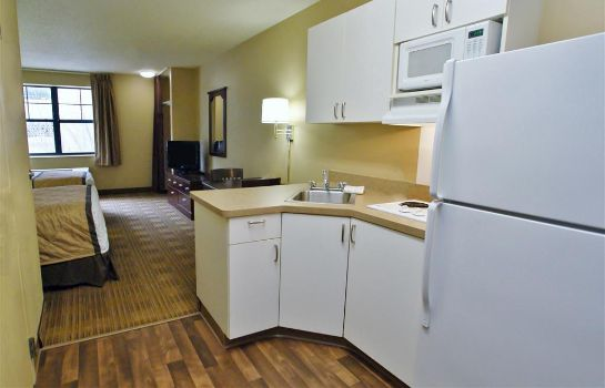 Zimmer Extended Stay America Champaig