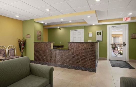 Lobby Quality Inn & Suites Glenmont - Albany South