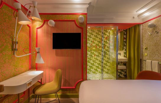 Chambre double (standard) Idol Hotel