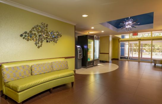 Lobby Holiday Inn Express & Suites BIRMINGHAM-IRONDALE (EAST)