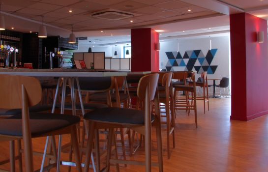 Hotel bar Holiday Inn Express LONDON - STANSTED AIRPORT