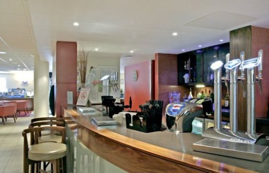 Hotel-Bar Holiday Inn Express NEWPORT