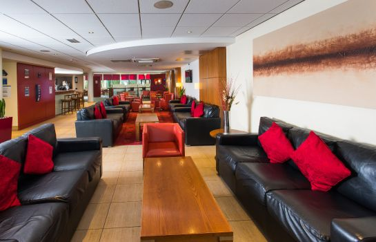 Hotelhalle Holiday Inn Express NEWPORT