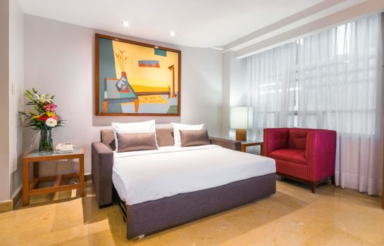 Four-bed room Eurostars Zona Rosa Suites