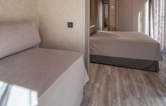 Four-bed room Suizo