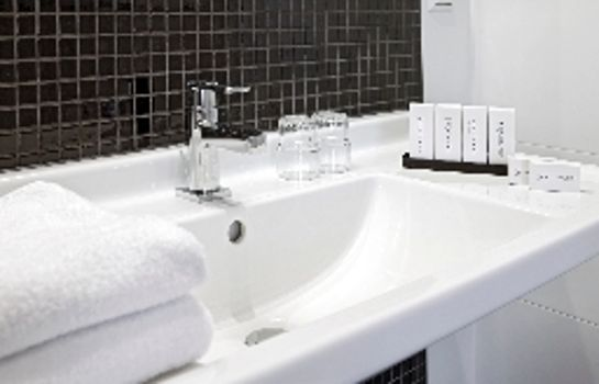 Bagno in camera Nova Hotel & Apartments