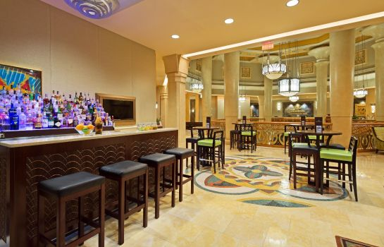 Bar del hotel Hilton Grand Vacations on the Boulevard