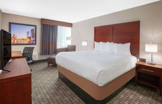 Suite Baymont Inn & Suites Grand Rapids Near Downtown