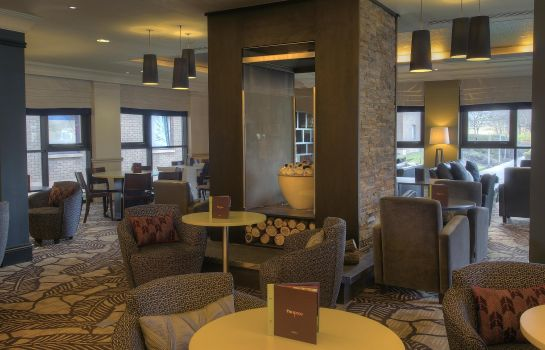 Hotel bar DoubleTree by Hilton Edinburgh Airport