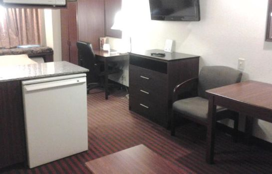 Suite Owens  Downtown Toledo BridgePointe Inn & Suites By Hollywood Casino
