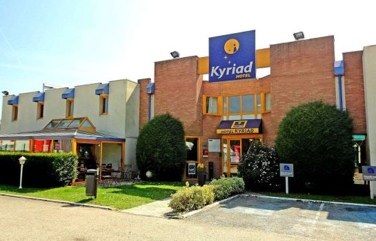 Exterior view Kyriad Chantilly