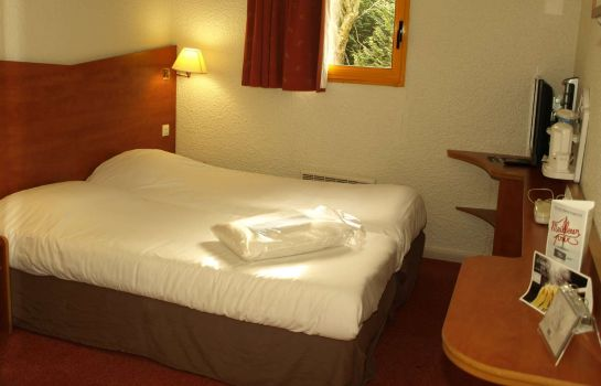 Double room (standard) Kyriad Chantilly