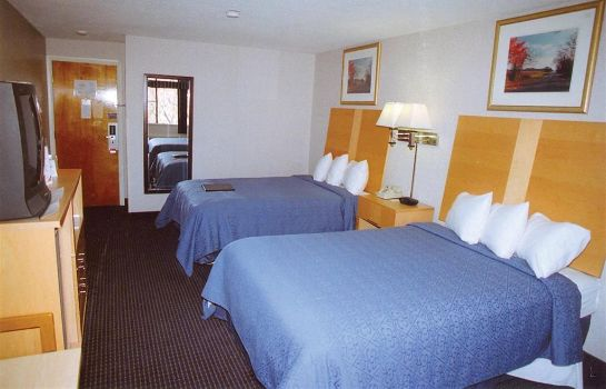 Habitación Ambassador Inn and Suites