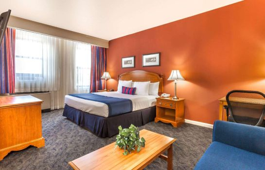 Suite Ramada by Wyndham Jersey City