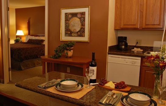 Zimmer Homewood Suites by Hilton Portland Airport