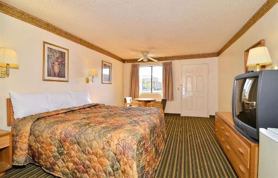 Suite Americas Best Value Inn Hesperia